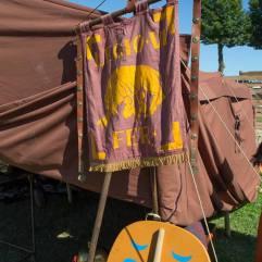 Tempora_Aquileia_2015_Vessillo Legio VI Ferrata